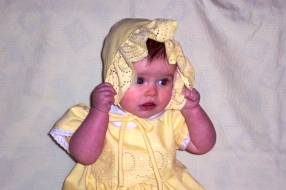 Abbye in yellow Bonnet